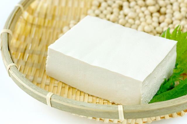 毎日食べたい!?豆腐の隠された美肌効果