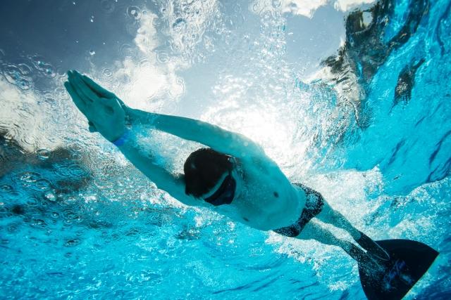 子供でもスイスイ泳げる!?スイミングフィンの練習法公開