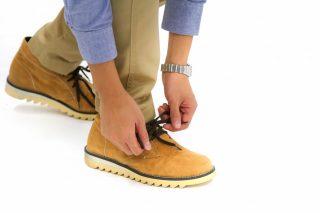 ブーツでも安心して脱ぐ事が出来る!知っておきたい靴の臭い消し